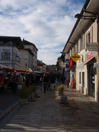 Divonne les Bains market (before it got too busy)